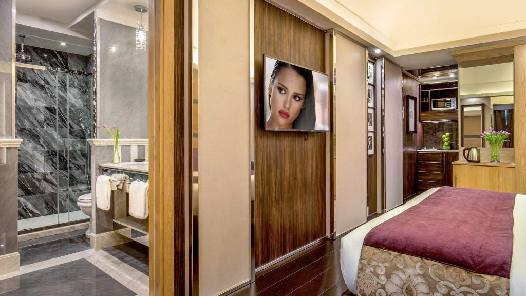 The-Inn-At-The-Spanish-Steps-Rome-NestPenthouse-suite-IMG-1067