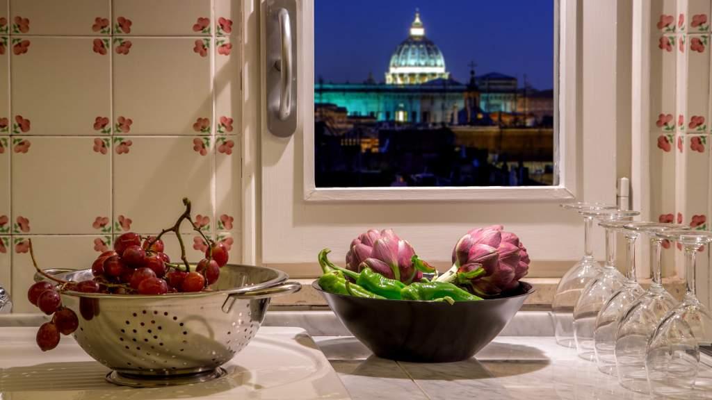 The-Inn-at-the-spanish-steps-Rome-panoramic-honeymnoon-suite-IMG-9411