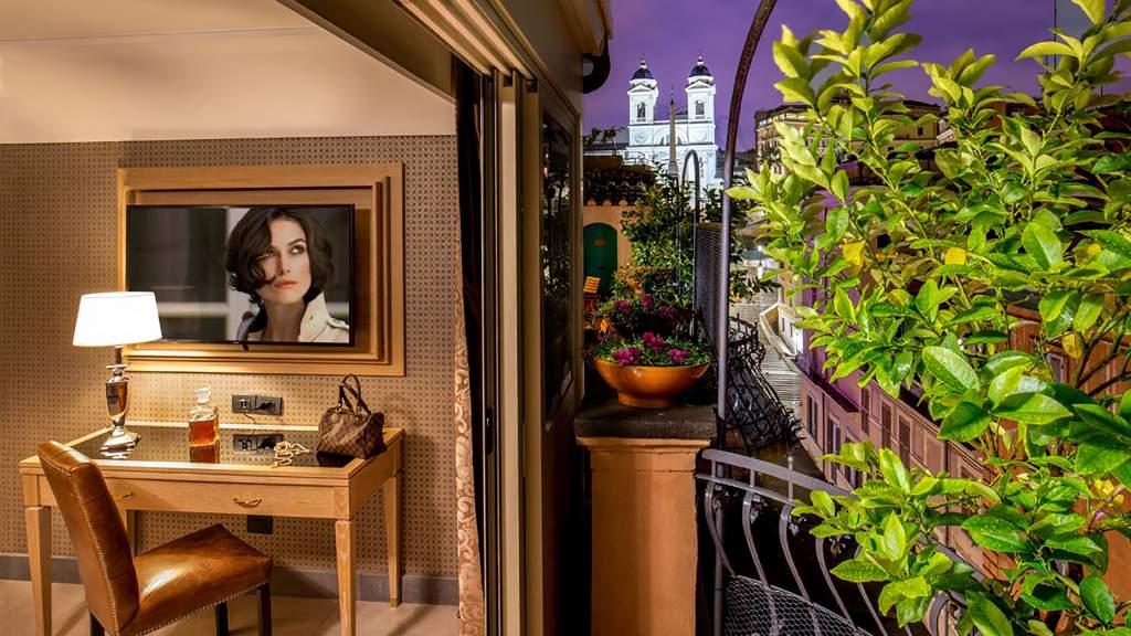The-Inn-at-the-spanish-steps-Rome-Panoramic-Honeymoon-Suite-Apartment-9