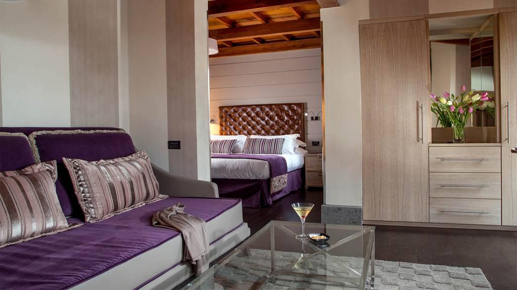The-Inn-At-The-Spanish-Steps-honeymoon-suite-2