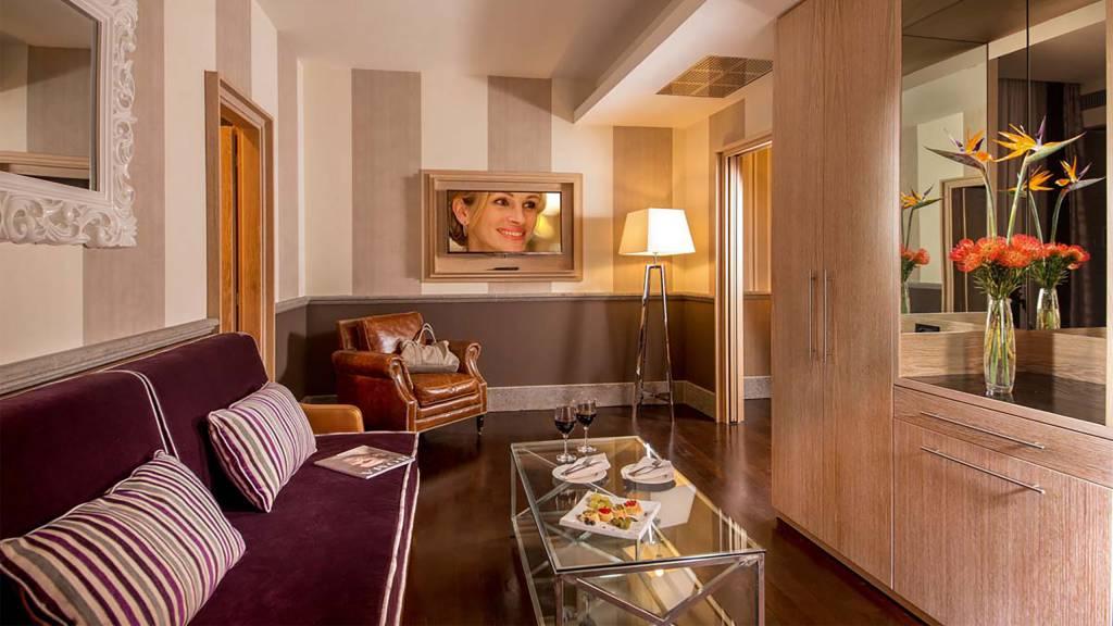 The-Inn-At-The-Spanish-Steps-senior-suite-1