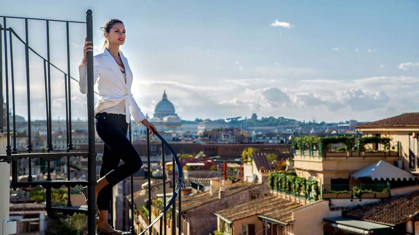The-Inn-at-the-spanish-steps-Rome-senior-suite-view-panorama-02-7