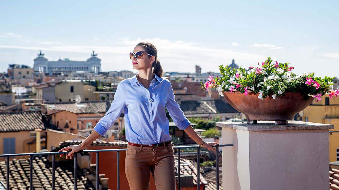 The-Inn-at-the-spanish-steps-Rome-senior-suite-view-panorama-02-9