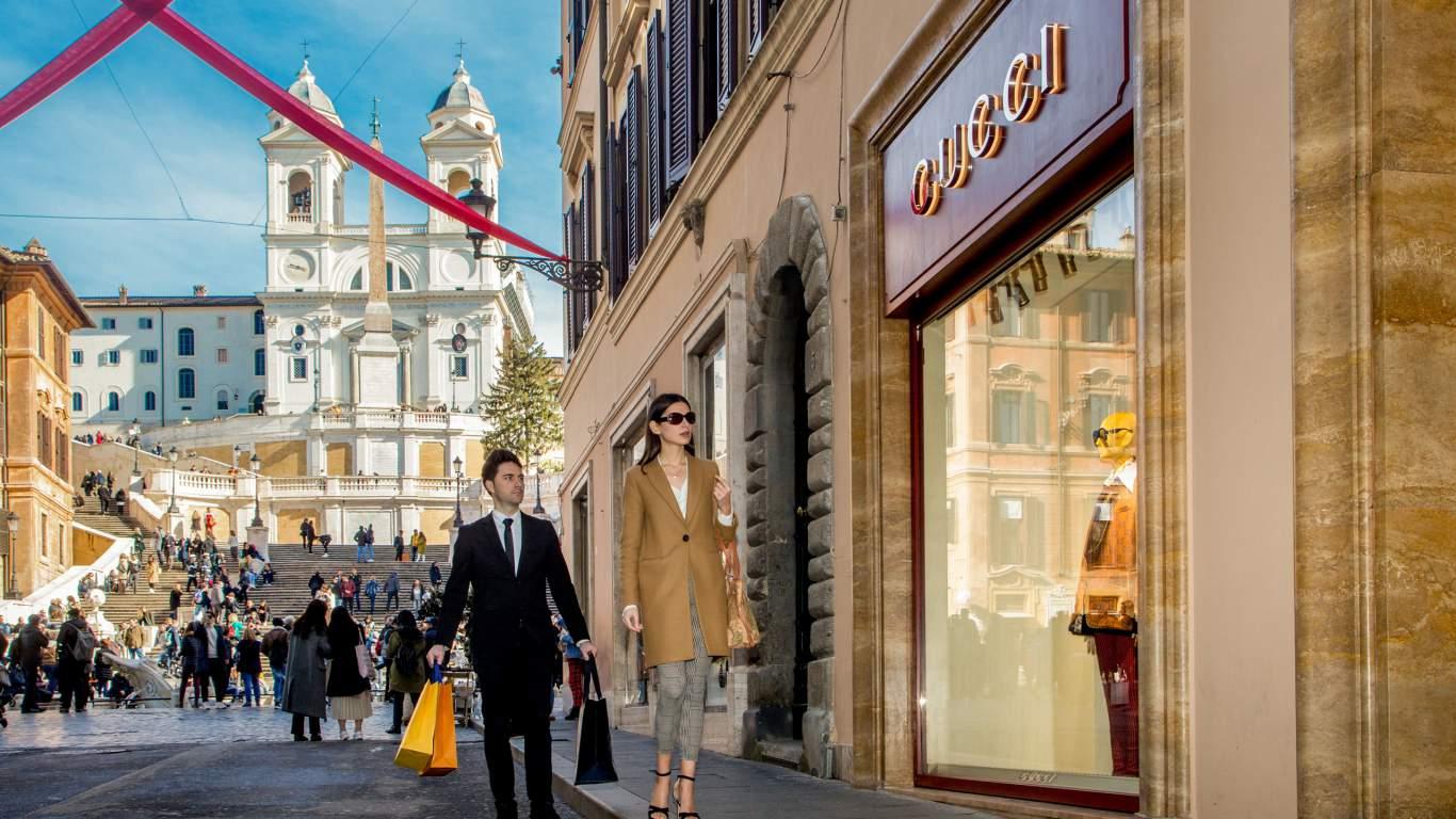 The-Inn-At-The-Spanish-Steps-Rome-shopping-via-condotti-IMG--9750-