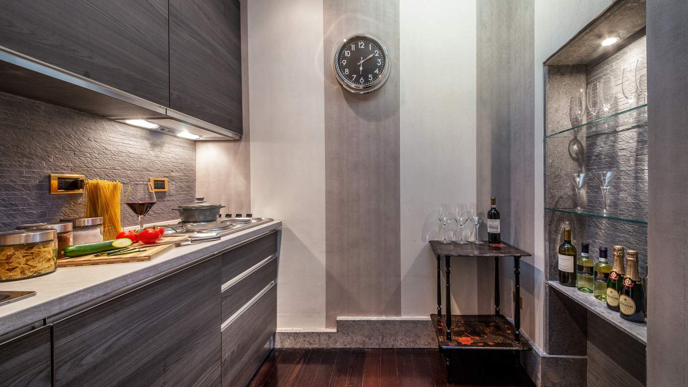 The-Inn-at-the-spanish-steps-Rome-ambassador-panoramic-suite-kitchen-IMG-7079