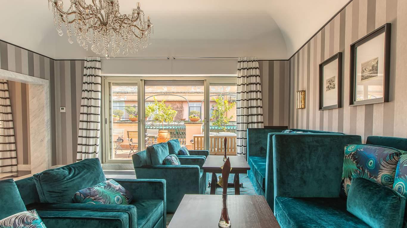 The-Inn-at-the-spanish-steps-Rome-Panoramic-Honeymoon-Suite-Apartment-12