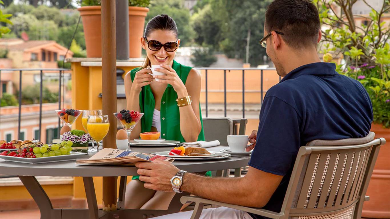 The-Inn-At-The-Spanish-Steps-honeymoon-suite-5