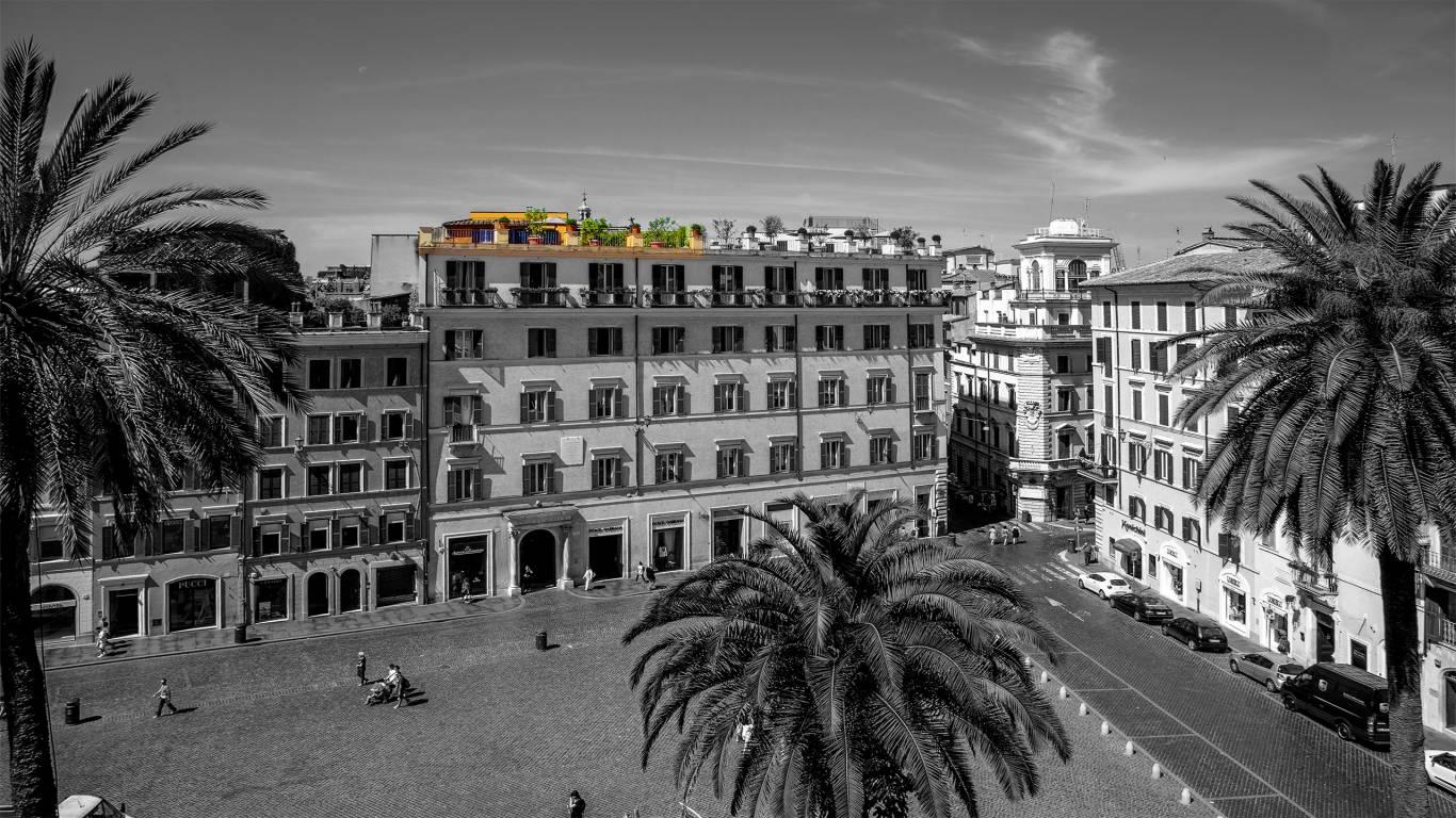 The-Inn-At-The-Spanish-Steps-honeymoon-suite-6