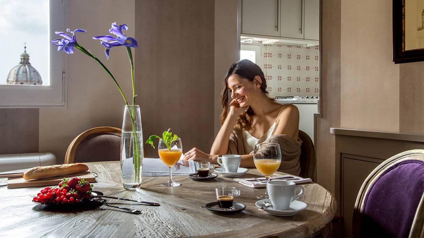 The-Inn-At-The-Spanish-Steps-honeymoon-suite-8