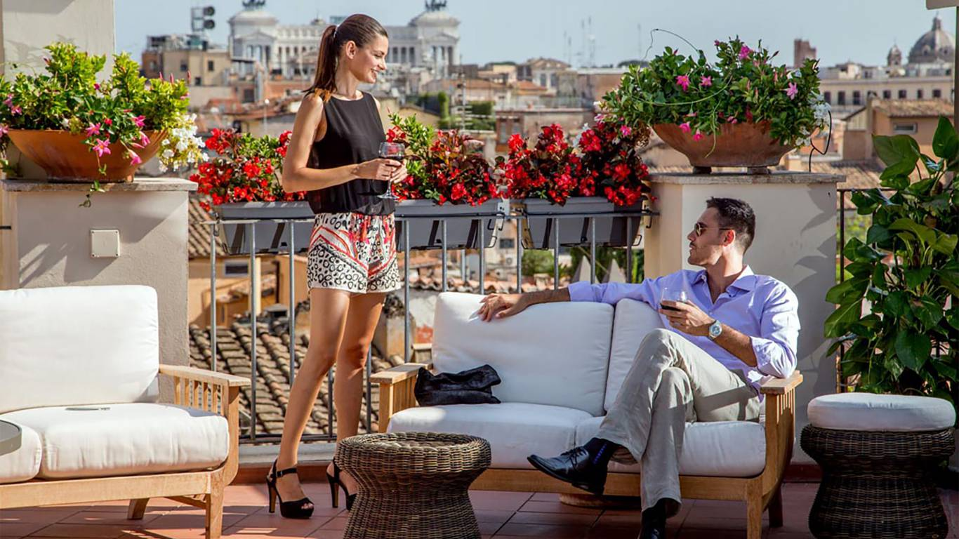 The-Inn-At-The-Spanish-Steps-honeymoon-suite-9