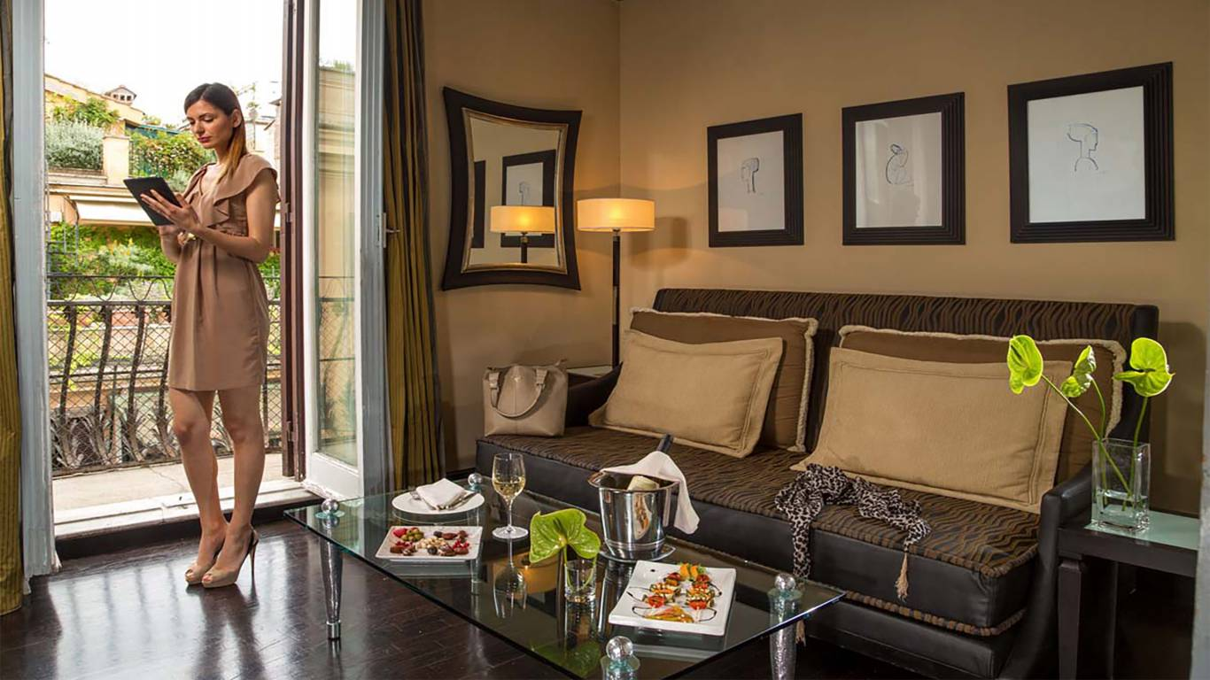 The-Inn-At-The-Spanish-Steps-presidential-suite-2