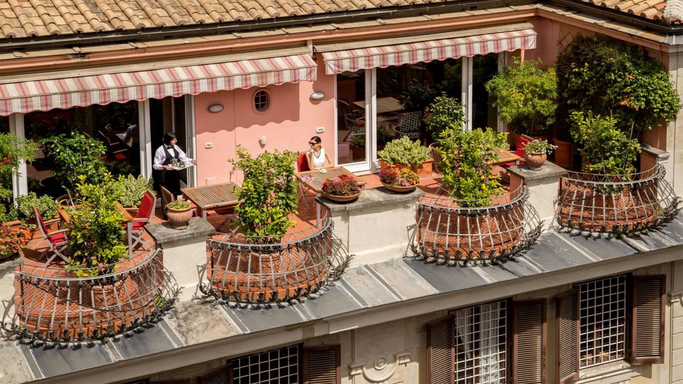 The-Inn-At-The-Spanish-Steps-the-nest-5
